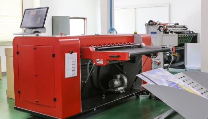 Single-pass printer for corrugated cardboard